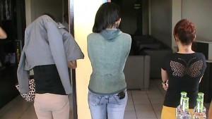 Tiga tersangka Penari Erotis saat di gelandang ke Mapolres Nunukan