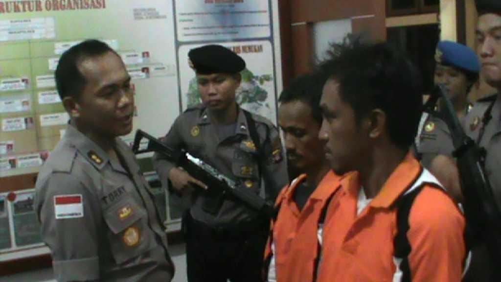 Dua warga negara Malaysia yang diamankan Polres Nunukan karena membawa sabu ke pulau Sebatik