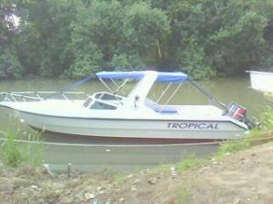 Speed Boat Mesin 40 PK (ilustrasi)