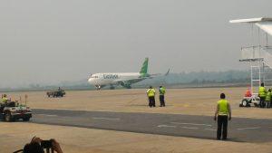 Sejumlah maskapai pemerbangan menunda keberangkatan karna kabut asap