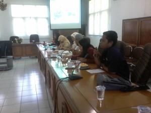 Jajarang pengurus KPA Kota Tarakan saat melakukan paparan di depan anggota DPRD Kota Tarakan, Selasa (01/09)