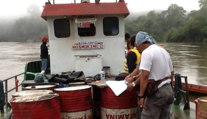 Penyelundupan BBM marak terjadi di Kalbar.