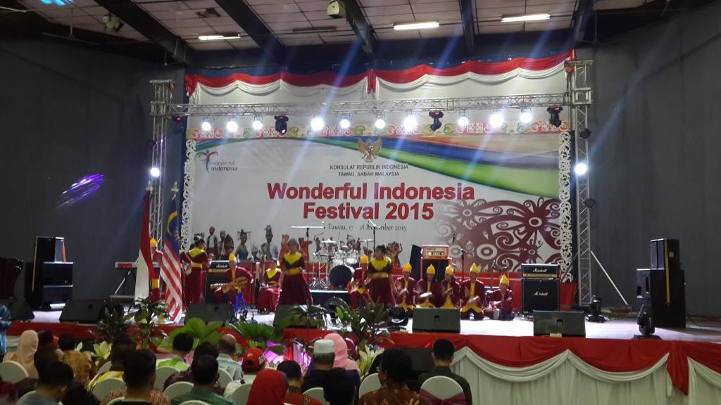 Wonderful Indonesia Festival  2015 yang digelar Konsulat RI di Tawau Malaysia, belum lama ini. (syw)
