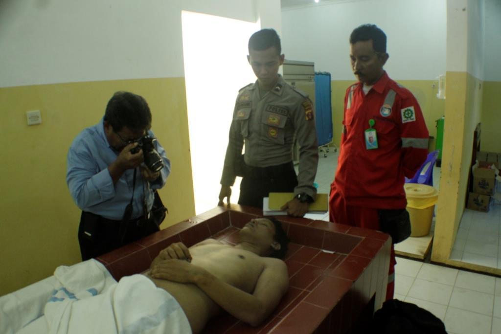 Joki karyawan Galangan Kapal di Juwata Laut Kota Tarakan meninggal dunia karena tersengat listrik saat bekerja.