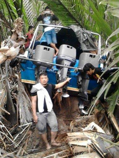 Kondisi SB Kalimantan Express yang menabrak lokasi pertambakan di Pulau Cincin.